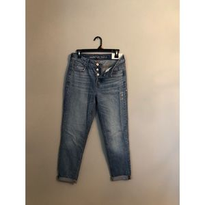 American Eagle button fly tom girl jeans. Size 2